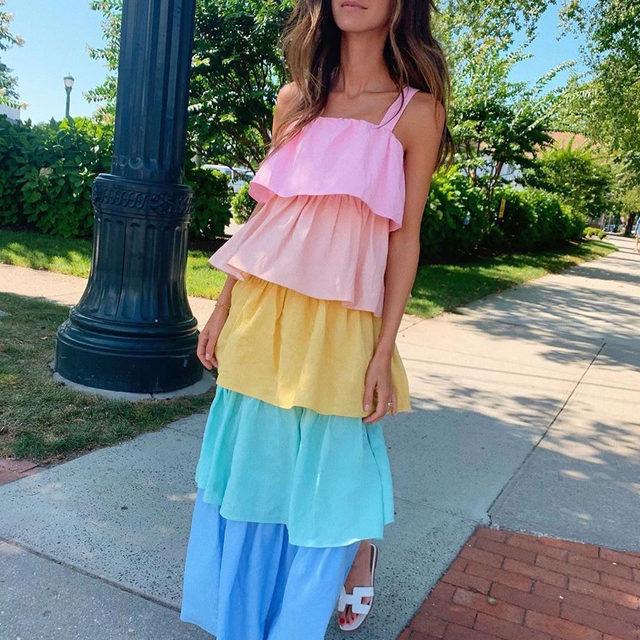 Color @ariellecharnas happy in @oliviarubin 🌈