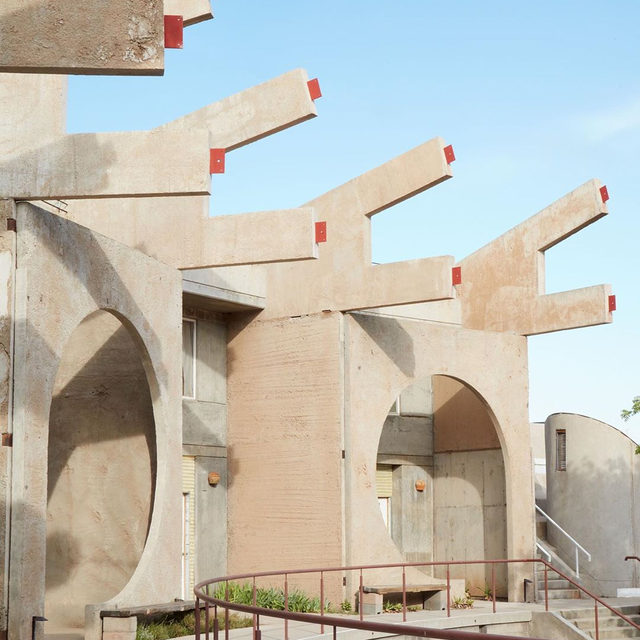 Behind the scenes at Arcosanti, where form meets function. Located in the Arizona desert, this experimental town has influenced generations of architects and urban designers. Keep an eye out for its geometric lines and architectural shapes in our fall collection.