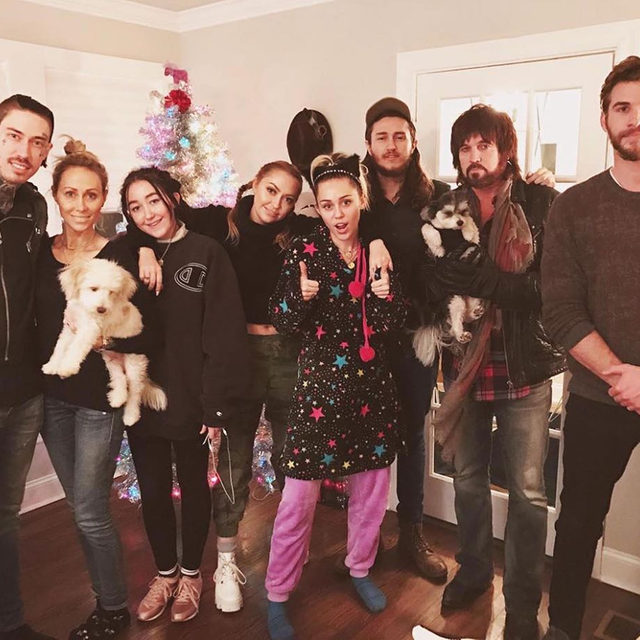 Miley & Liam might be broken up, but after ten years of break ups and makeups, their families don't think it's completely over. Link in bio for what they think about their possible divorce. (📷: Instagram)