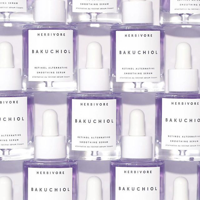Don't forget to enter our Bakuchiol GIVEAWAY!💜25 lucky winners (announced Monday at noon PST) will get a full-size Bakuchiol Serum. All you have to do is follow us, like the original post from yesterday (not this one) and tag two friends💜 Good luck!