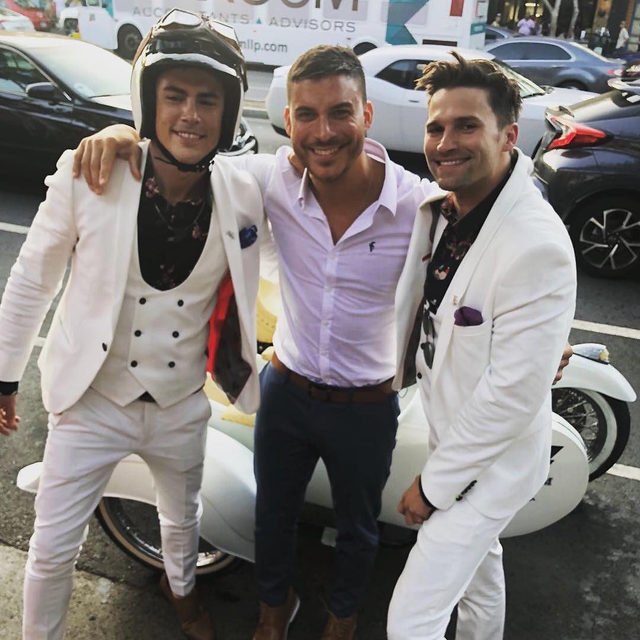 *Sips Pumptini* Jax Taylor unfollowed most of his #VanderpumpRules co-stars and it looks like the feeling is mutual. Link in bio for all the drama. 👀 (📷: Instagram)