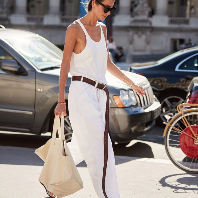 Fall's biggest bag trends do not disappoint. From slouchy oversized totes to sculptural silhouettes, tap our link for 7 bag trends we found for under $100. photo: @thestylestalkercom