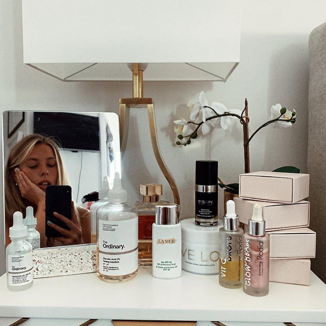 Repost I Side cabinet of skincare dreams 🌹Giving my skin some serious TLC after being in the sun for the past 10 days 🌟 #skincare #beauty #love | @frankiegaff