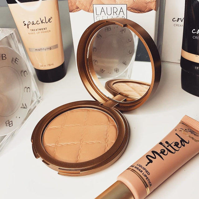 Save BIG on your favorite #LauraGeller products during our Farewell Favs Sale ✨Shop now on laurageller.com  via @sippinonthatglow  #lauragellerbeauty #makeuplovers #shopnow