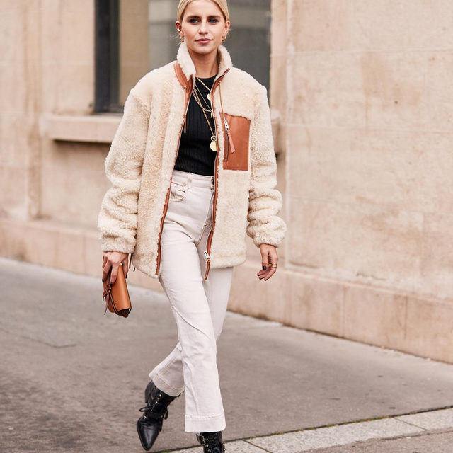 """It's September now—time to inject some fall vibes into your look. Tap our link for 9 fall outfits we always """"fall"""" back on (pun intended). photo: @thestylestalkercom"""