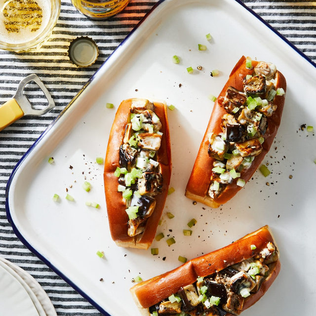For this week's #BigLittleRecipes, @emmalaperruque is putting a vegetarian twist on the traditional lobster roll. Bonus: You don't have to worry about the eggplant scurrying off your cutting board or pinching you! Recipe and video via link in bio. (📸: @goodcomag)