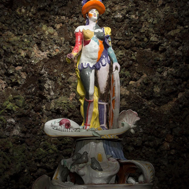 """#GagosianQuarterly: """"The concept of 'happily ever after' and what shadowy secrets might lurk below continues to fascinate Feinstein and to affect her sculptural practice."""" —Alice Godwin  A new sculpture by Rachel Feinstein was unveiled on June 25 on the grounds of Chatsworth, the celebrated Derbyshire estate, where Feinstein recently spent time as Gucci's inaugural artist in residence. Alice Godwin tells the story of how it came to be in a recent """"Gagosian Quarterly"""" article. Follow the link via our bio to read the piece.  __________ #RachelFeinstein #ChatsworthHouse #Gucci #GucciPlaces #Gagosian @rachelfeinsteinstudio @chatsworthofficial @alessandro_michele @gucci (1) Rachel Feinstein, """"Britannia,"""" 2019, Chatsworth, Derbyshire; (2) Rachel Feinstein inside the grotto at Chatsworth, 2018; (3) Rachel Feinstein working at the Porzellan Manufaktur Nymphenburg, Munich, 2019. Artwork © Rachel Feinstein. Photos: Samuel Keyte, courtesy Gucci"""