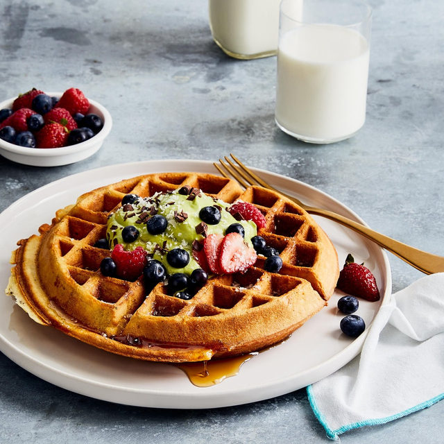 There's no better way to celebrate 🎉 breakfast than with a stack of waffles that are light and fluffy (thanks to real milk).🥛 But when it comes to toppings, sweet isn't the only option—even though this matcha whipped cream and fresh 🍓-topped version is totally 😍. If you're in a savory mood, try bringing sliced 🥑, a poached egg, and Hollandaise into the mix. Feeling spicy?🔥 Add chorizo, smoky tomatoes, chickpeas, spinach, and pepper jack 🧀 on top. Grab the recipe via the link in our bio and go wild with toppings—the world is your waffle. (📷: @goodcomag) #f52partner @milklife
