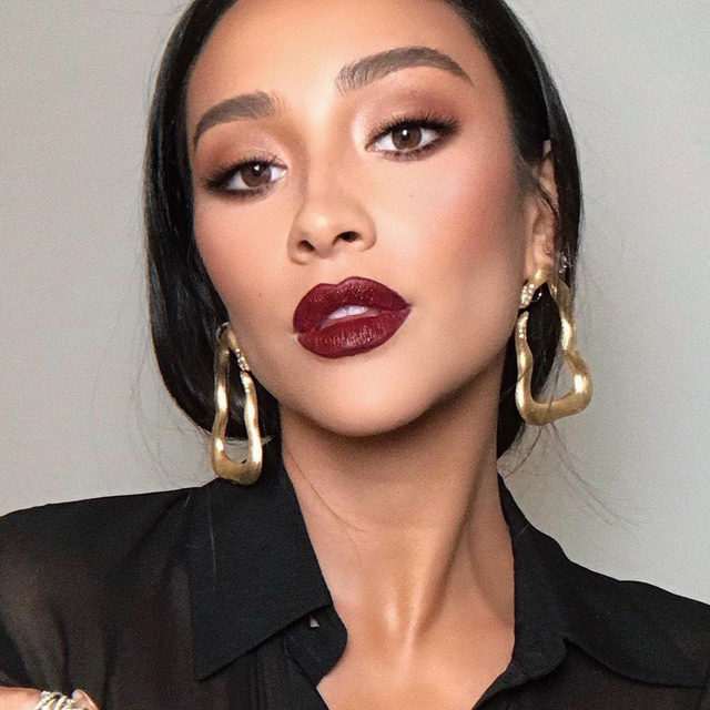 After a long Hot Girl Summer, we're ready for a Chill Girl Fall. From berry tints to classic nude hues, tap our link for 8 fall lip colors every fashion girl will be wearing. photo: @shaymitchell