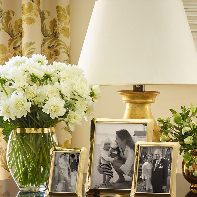 Classic and contemporary... The Cecile and Martin picture frames are two of my favorites from the new Fall collection.. Link in bio to shop #AERINhome