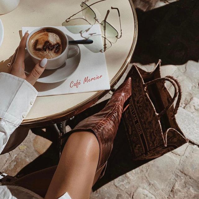 morning essentials ☕ #rayeallday