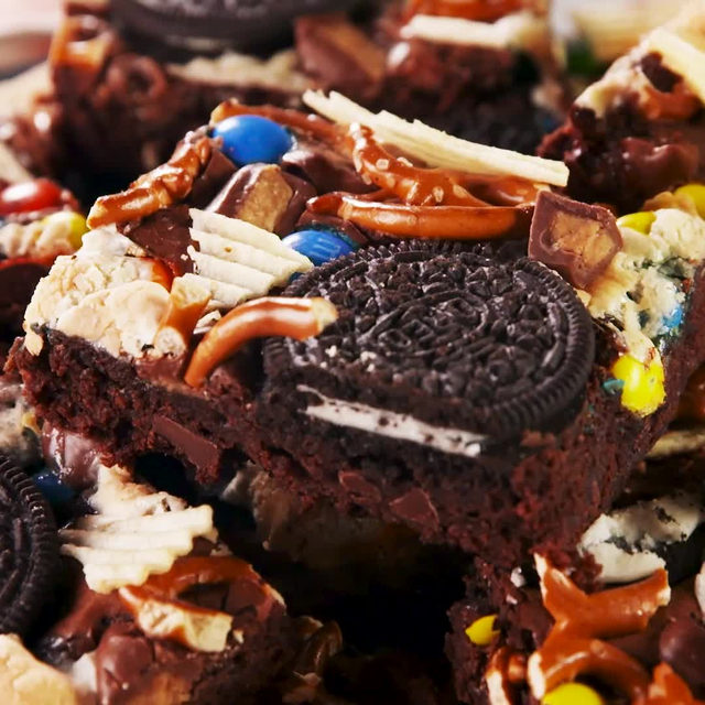 """You want it? I got it?"" - these trash brownies  #Delish #DamnThatsDelish #brownies"
