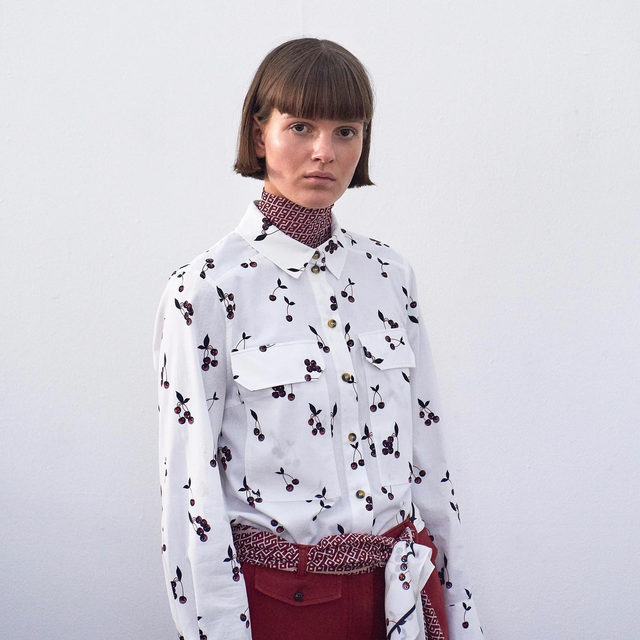 Layer up this season with the Mabel shirt in Pink Cherry and the Jodi top in BP logo print 🍒 . It takes a FAMILY #AW19 #BaumundPferdgarten