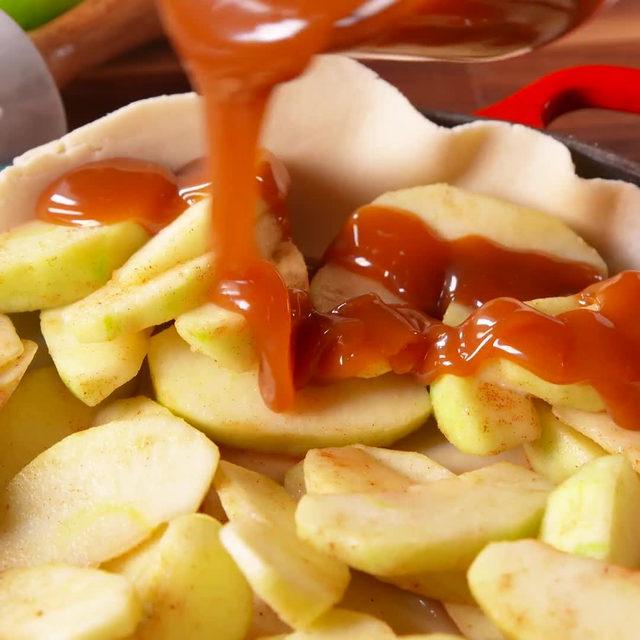 Is it just me, or does this hack make apple pie seem WAY easier?? #Delish #DamnThatsDelish #pie