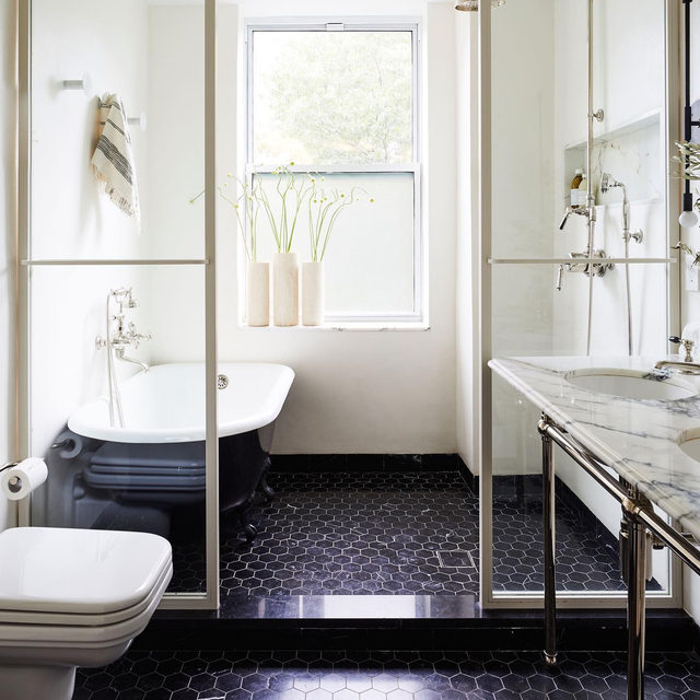 "Most NYers recognize this ""before"" bathroom which is charming and all, but wouldn't you prefer the AFTER?! 😍 Check out this stunning reno by @space_exploration_design 👉 link in bio 📸 by @nicole_franzen ✍️ by @my_shokoko"