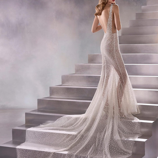 Full-body constellation effect. This gown showcases Atelier Pronovias' unique craftsmanship: discover the Constellation dress (link in bio). #Pronovias2020