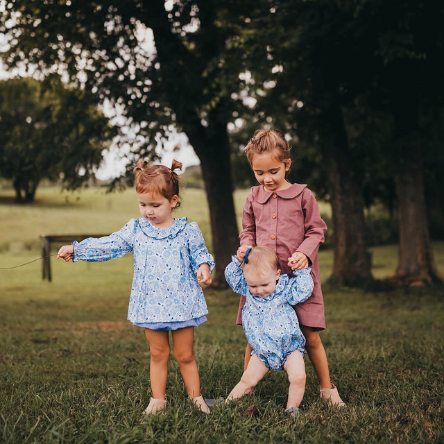 Everything about this picture screams fall 🍂🍁 We are hoping to finally bust into our little ones fall wardrobes here in Charleston! #seconddayoffall @dear.november.days