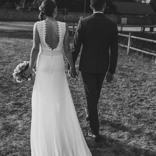 #PronoviasBrides, France edition! This lovely couple got married in Bretagne and she chose the beautiful Orobia dress ❤️ Photo: @mikelacrossephotographe