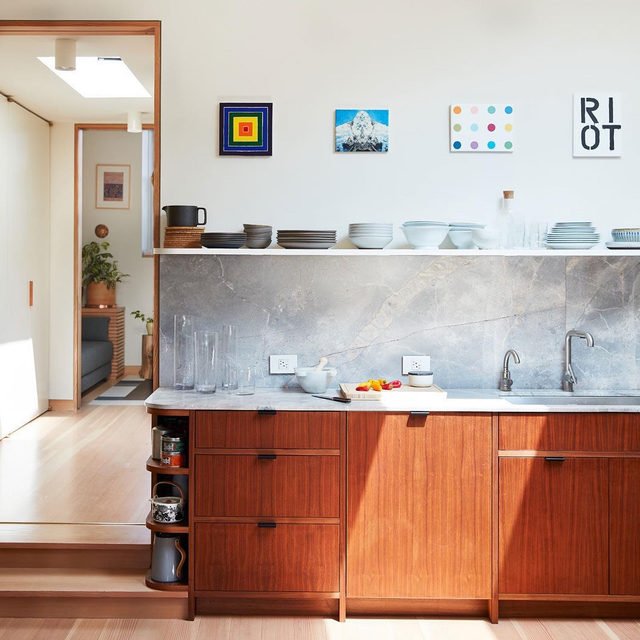The before-and-afters of this gut reno project by @shapelessstudio are oddly satisfying ✨✨ See more of @runnette and @nathanlump's Brooklyn apartment 👉 link in bio 📸 by @david_a_land ✍️ by @my_shokoko; styled by @elizabeth.maclennan