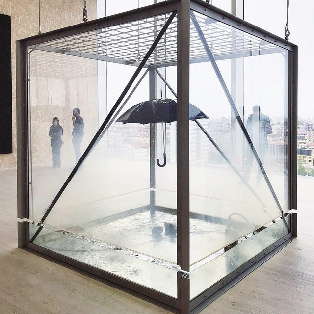 """Damien Hirst's """"Tears for Everybody Looking at You"""" (1997) is featured in the exhibition """"Atlas,"""" currently on view at Fondazione Prada in Milan. Work by Walter De Maria, Michael Heizer, Carsten Höller, and Jeff Koons is included as well. Learn more via the link in our bio! __________ #DamienHirst #FondazionePrada #Prada #Gagosian @fondazioneprada #Repost: @v.i.v.chin, Damien Hirst, """"Tears for Everybody Looking at You,"""" 1997"""