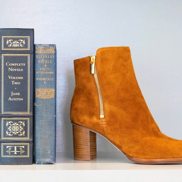 Our ideal bookcase consists of vintage books and suede booties 💕 #walklikeawoman