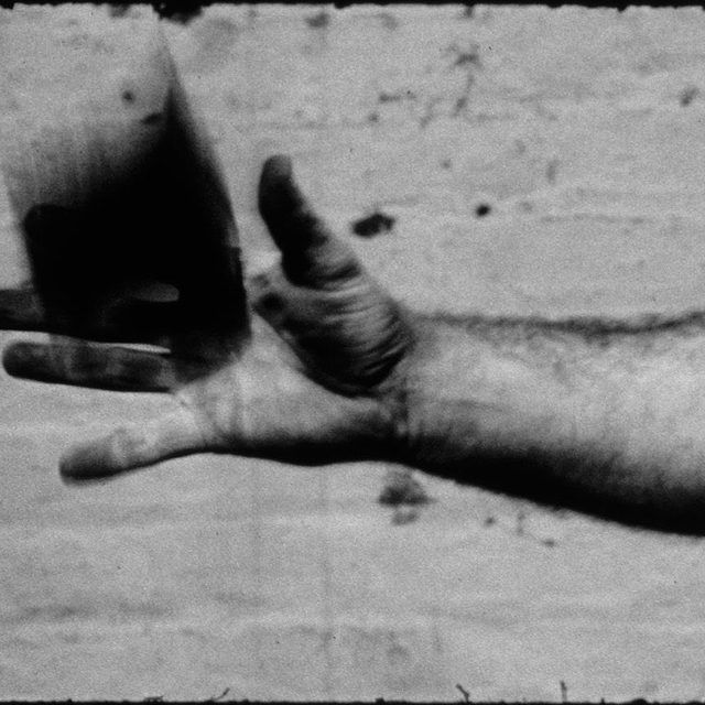"""Join Gagosian and Anthology Film Archives for a panel discussion on Richard Serra's films and videos on October 19 as part of our three-day retrospective!  Serra's """"Hand Catching Lead,"""" (1968) shows the artist moving from the task-based minimalism of his earliest films, all of which depict a hand engaged in simple actions, to films that explore the various ways that the medium of film can transform the reality being photographed. The screening on October 19 will be followed by a panel discussion between curators Søren Grammel, Chrissie Iles, and Jeffrey Weiss, moderated by art historian Benjamin Buchloh. To attend the event, purchase tickets via the link in our bio.  __________ #RichardSerra #AnthologyFilmArchives #Gagosian @anthologyfilmarchives Richard Serra, """"Hand Catching Lead,"""" 1968 (still) © 2019 Richard Serra/Artists Rights Society (ARS), New York"""