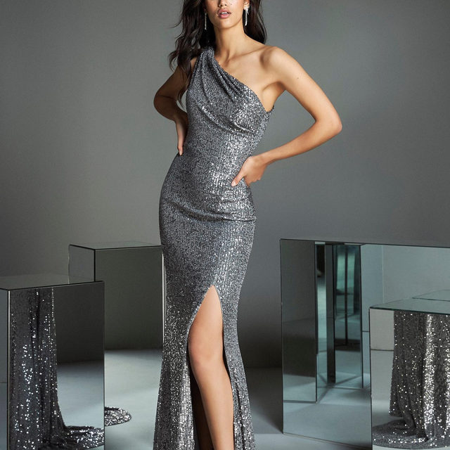 Silver crush | Meet the TS Style 97, a brilliant gown uniquely crafted in texturized sequins. More on the link in bio. #PartyEdit2020