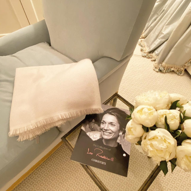 Monday morning reading.. loving the Lee Radziwill collection @christiesinc.. with a coffee under our new cream cashmere throw..