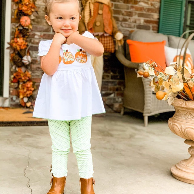 Fall is officially here, and we couldn't be happier! (or cuter!)🍂🍂🍂 | @kristen_knotts