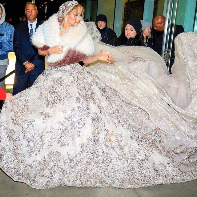 J. Lo is known to shut it down with every look she serves but this princess bridal gown has us on the floor. 😍 Head to the link in our bio for more pics. (📷: GC images)