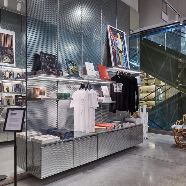 """#GaleriesLafayette: Visit Gagosian's pop-up takeover at Galeries Lafayette Champs-Élysées in Paris, before it closes this Sunday!  In celebration of FIAC in Paris, the two-floor pop-up takeover features products related toGagosian artists.On the first floor, the Coin Culture section features catalogues, posters, apparel, and audio productions. The second floor, the Library, will house an additional selection of limited-edition books, publications, and catalogues raisonnés. Find out more via the link in our bio. __________ #Gagosian #GaleriesLafayetteChampsElysees @galerieslafayettechampselysees  Installation views, """"Gagosian at Galeries Lafayette Champs-Élysées, Paris,"""" October 12–20, 2019"""