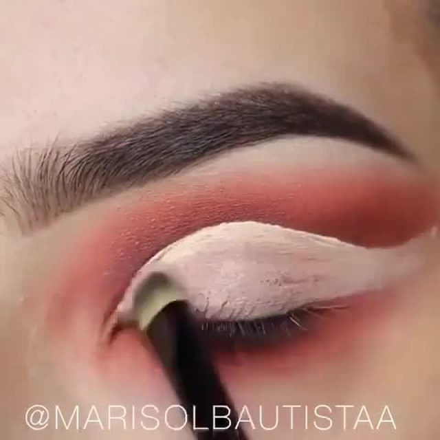 Go glam or go home ✨  @marisolbautistaa hits us with another #eotd tutorial, using our Wild Child lashes from our Fluff'n Glam Collection 😍 available exclusively at @Sephora!  #Repost Beauty Breakdown Brows- colourpopcosmetics  clear brow gel.  Palette- #colourpopcosmetics NEW Baby got Peach 🍑Eyeshadow palette! 🍑🍑 Waterline liner- colourpopcosmetics dirty talk.  Lashes - velourlashesofficial Wild Child (love these lashes so much) 🙌🏻💕💕