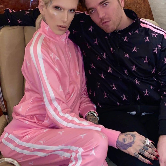 """If you thought Jeffree Star and Shane Dawson were dramatic when they said: """"We're having 24 armed guards; I'm having people sleep inside the building with rifles."""" Then wait for this week's showdown against James Charles. Everything we know about their feud it at the link in our bio. ( 📷: Instagram)"""