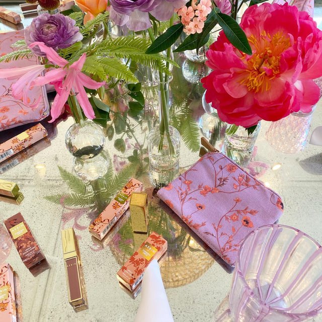 Team lunch to celebrate the launch of our new @johannaortizofficial collaboration. Love the new nude lipsticks and lip glosses with matching makeup bags #AERINbeauty