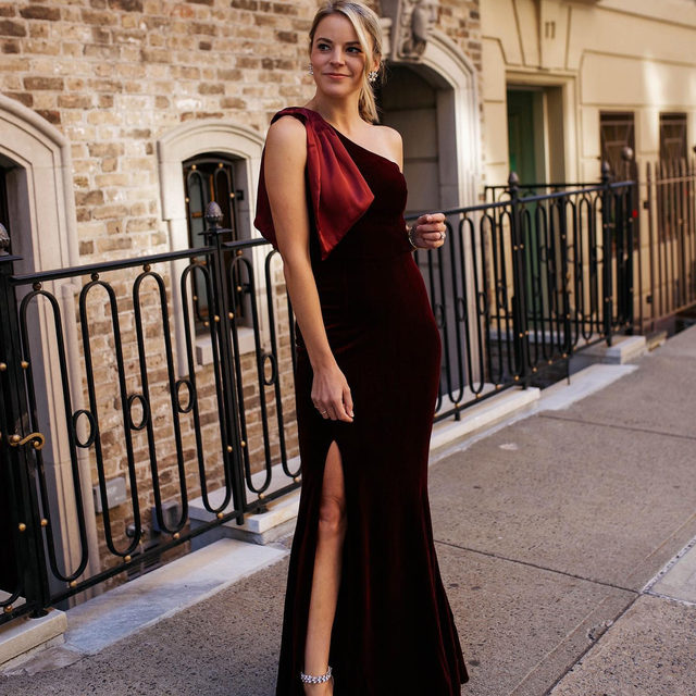 The best dressed wedding guest goes to @styledsnapshots in our Britta Velvet Dress ✔️ (Tap to shop!)