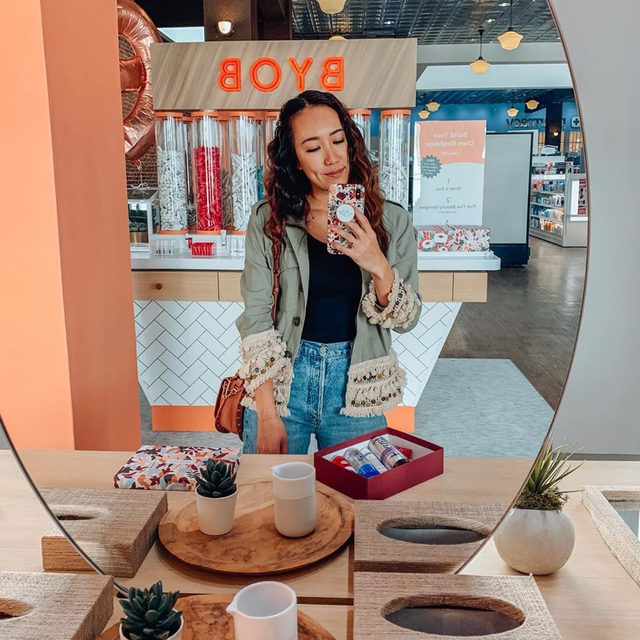 Weekend plans? We'll be visiting #BirchboxAtWalgreens to BYOB (build your own Birchbox), stock up on full size faves, and take a selfie or two!  #linkinbio to find your nearest store.  Via @elle_loha
