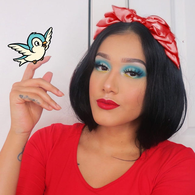 We're posting our favorite Halloween looks all week long! ✨🎃 Starting with this Snow White inspired look by @angelinaa_x0 wearing our Baked Blush-n-Brighten. . . . #lauragellerbeauty #halloweenlooks #halloweenmakeup #motd #snowwhitecostume #bakedblush #gellergorgeous.