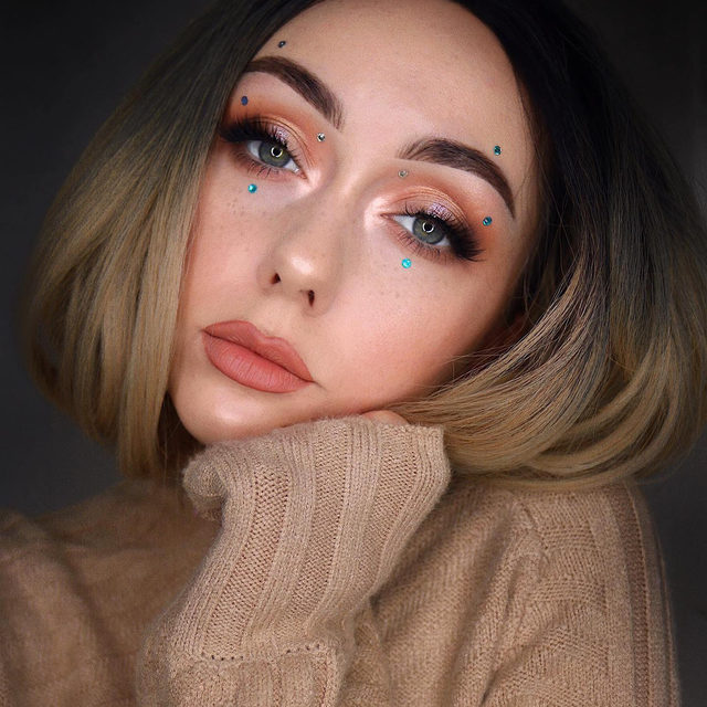 T-Minus 2 days until it's Halloween 🦇 Do you have a look ready? 🧝♀️  @mvjdvmakeup is giving us Euphoria vibes with her natural glam look. She is wearing our Effortless Collection in the style Would I Lie? , available exclusively at Sephora.  Tap to get the look!  #VelourBeauty #VelourLashes #EffortlessCollection #Sephora #VelourxSephora #LiveInLashes