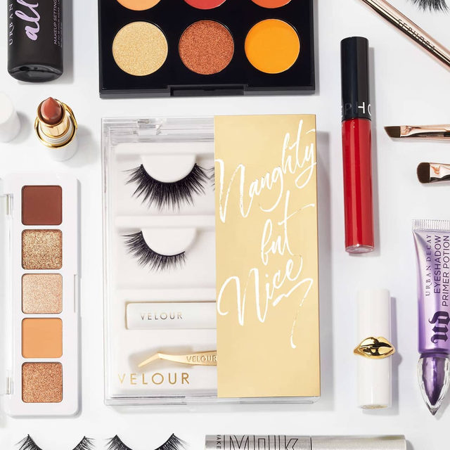 Fall vibes forever 🍂 Comment down below some of your favourite autumn makeup if you never want fall to end 👇  🍁 Achieve flawless autumn vibes with our Naughty But Nice Kit - filled with our favourite silk lashes Fluff'n Edgy and Mini Me. 🍂  Don't worry, we got you covered with a mini White Latex-Free Lash Adhesive and mini Too Easy Lash Applicator. 😉  Available exclusively at @Sephora.  #VelourLashes #VelourxSephora #VelourBeauty #NewAtSephora #NaughtyButNice