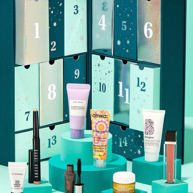 The countdown is on! 🎉 Celebrate the best of beauty with 14 days of amazing surprises in our Countdown to Beauty 2019 box! Think of this as your daily you-time reminder. $40 in the shop and worth over $140! Want to learn more? 👉🏽Check out our IG live at 10:30 EST today!