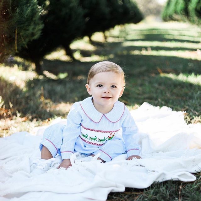 Benjamin is ready for the holidays, are you? 🎅🏻 🐊 | @madisonlonadier1121 @brooklynnperryphoto
