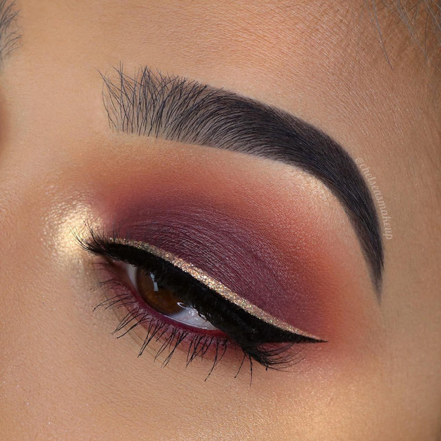 🍒 Let the berry-toned season looks begin 😍  @chelseasmakeup is giving us holiday vibes with this cranberry look, paired with Can't Be Tamed from our Fluff'n Glam collection.  Fluff'n Glam is now available exclusively in @sephora! Check out which countries we're available in from our highlights 🌎  Tap to shop the look 😘  #VelourLashes #VelourBeauty #LiveInLashes #FluffnGlam #VelourXSephora