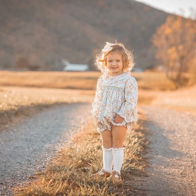 Our favorite fall bubble is on sale now! (along with the rest of our fall line) through the link in our profile.  Check out this beautiful moment captured by 📸: @sherryconradphotography @amandaleigh6609