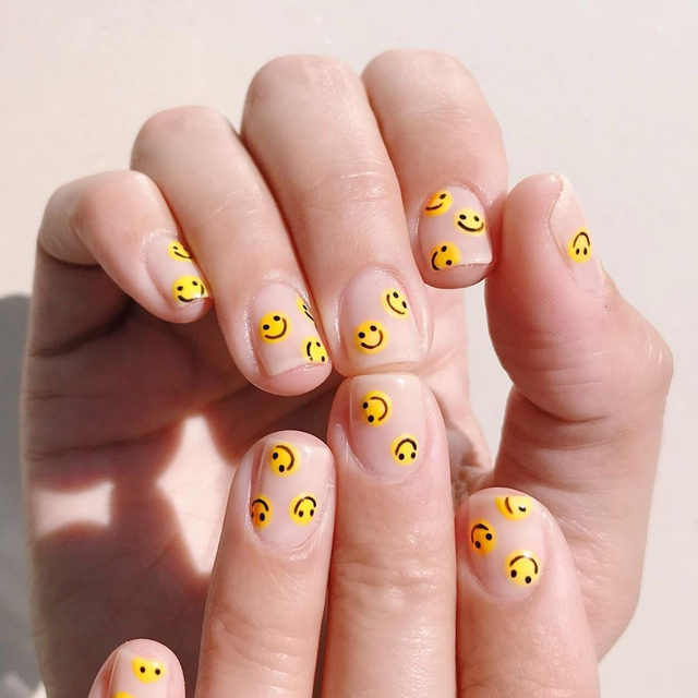 Friday mood mani 🙂 🙂 🙂  #nails by @thehangedit