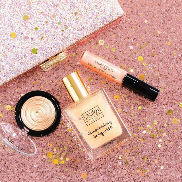 GUESS WHAT?! 😱✨ You can snag all three of these items in ONE KIT as a part of our Holiday Exclusive on Walmart.com for $35 PLUS two-day delivery.  Check out the link in our stories to shop today! . . . #lauragellerbeauty #walmartbeauty #holidayshopping #beautylovers #highlightgoals #holidaykit