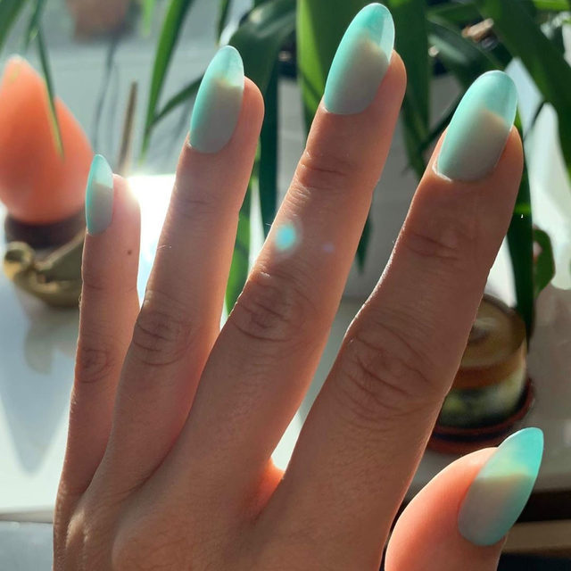 Move overe #jellynails – #seaglassnails are here and are just as pretty as they sound. Link in bio for the new fall #nailart trend you'll be seeing everywhere this season. #nails by @jessicawashick