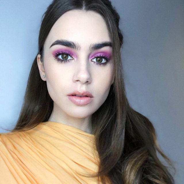 For this month's seasonal trend, we're loving how versatile the shade purple is -- allowing you to wear it on your eyes, cheeks and lips ✨💜 Recreate this vivid and violet look on @lilyjcollins by @makeupvincent with our Party in a Palette Eyeshadow, Blush & Highlighter Palette Trio. . . . #lauragellerbeauty #purpleeyeshadow #eyeshadowtrends #lilycollins #makeupbyvincent #partyinapalette #holidaymakeup