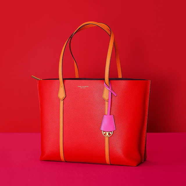 Online exclusive: Perry Tote in Brilliant Red #ToryBurchHoliday19 #ToryBurchinColor #ToryBurchBags #ToryBurch