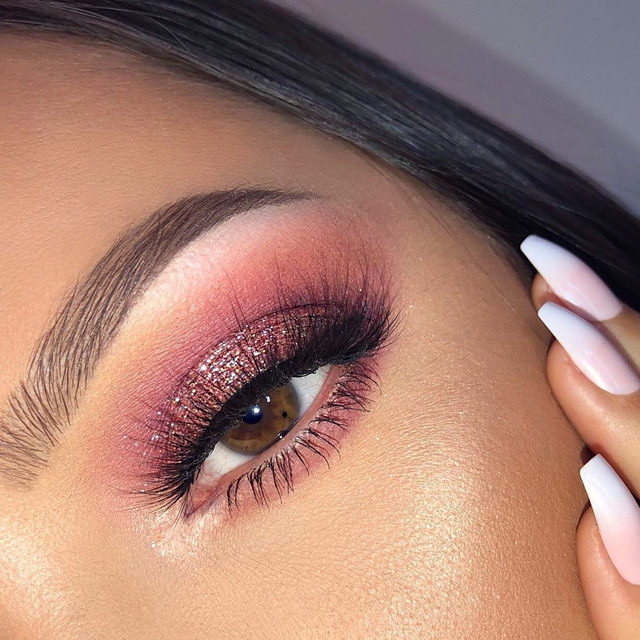 🔔 Sleigh bells be ringing cause our girl be SLAYING 👸  @whitneykshepherd is killing it with this glittering rosé look. She's wearing the lash style Here To Slay 😍  Tap to shop! ❤️  #VelourLashes #VelourBeauty #LiveInLashes #LashSquad