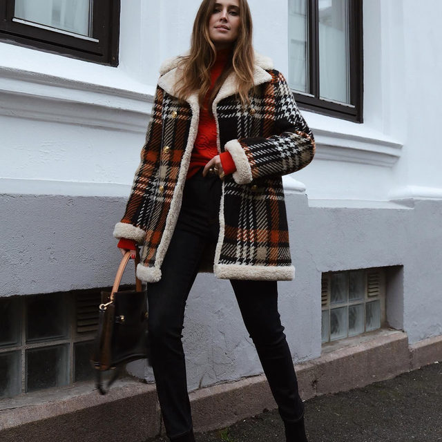 @darjabarannik in our Plaid Sherpa Coat, #GeminiLink Sweater, Lee Radziwill Double Bag and Crystal-Buckle Bootie #ToryStories #ToryBurch